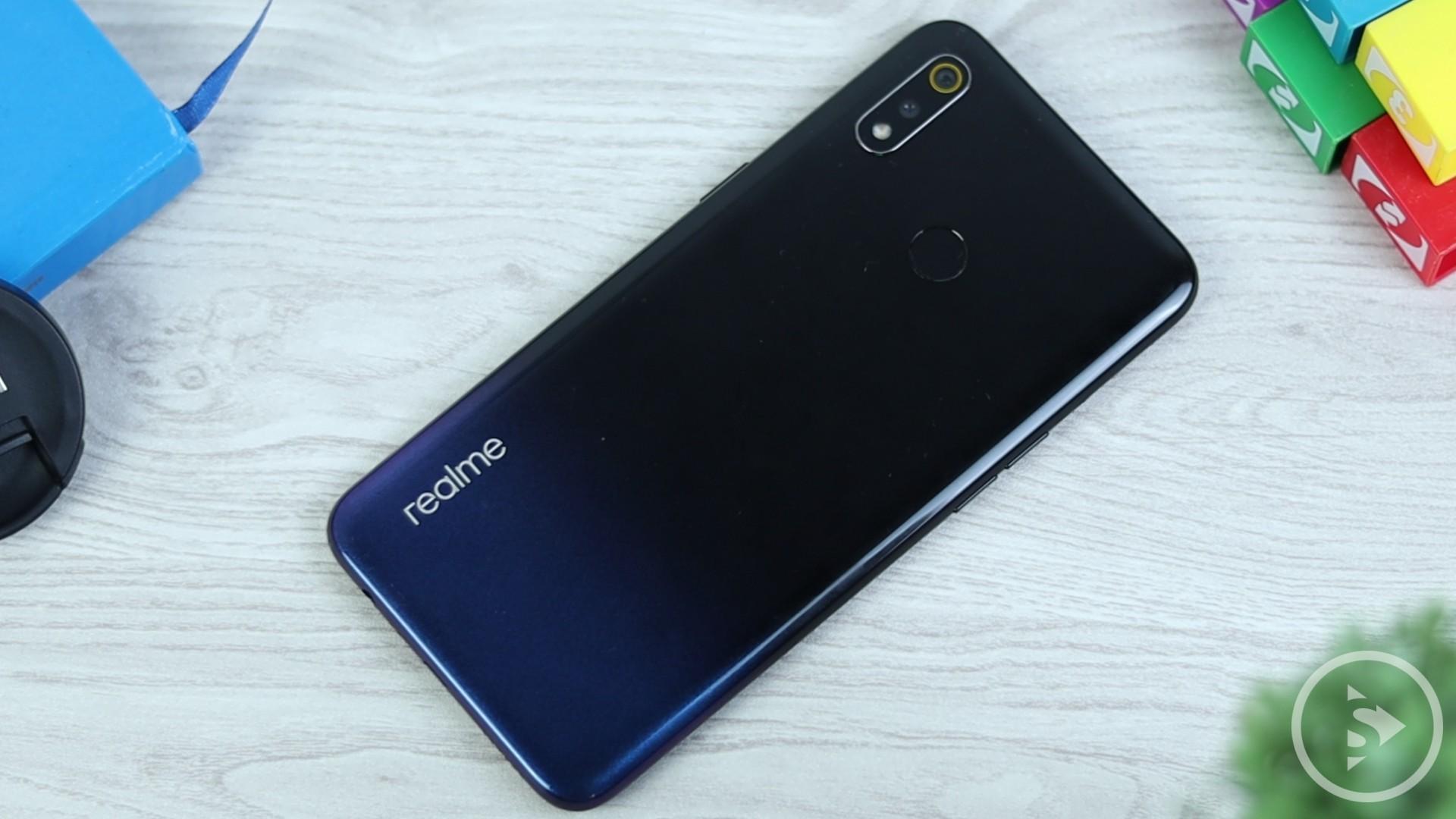 Review Realme 3 Indonesia - Realme 3 Dynamic Black